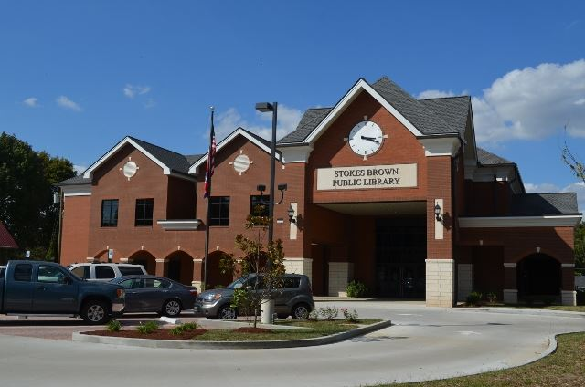 Stokes Brown Public Library (640x424)